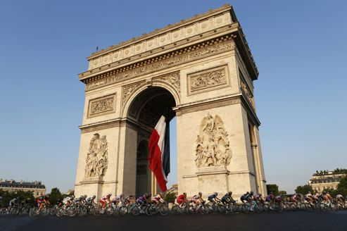 De Versailles aux Champs-Élysées : le Tour de France en visite à Paris