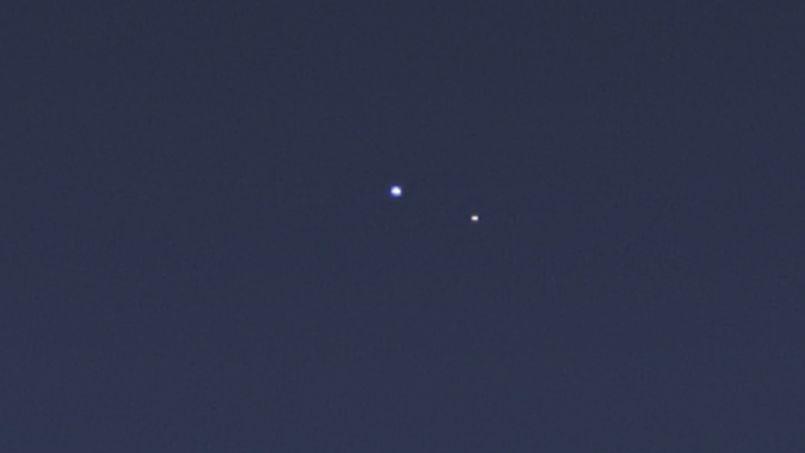 [NEWS] La Terre vue depuis Saturne et Mercure PHO8ff7c49c-f380-11e2-af92-034b0987c419-805x453