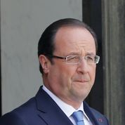 Hollande tente de consolider sa majorité
