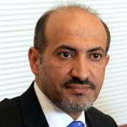 Syrie : À Paris, le chef de la Coalition réclame des armes
