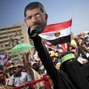 Les pro-Morsi défient les partisans de l'armée