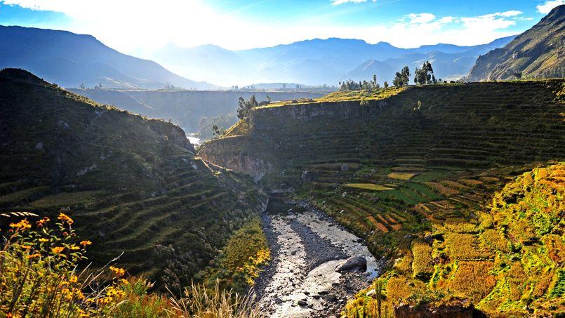 Attachée à ses traditions ancestrales, la population cultive encore de nos jours les terrasses pré-incas.