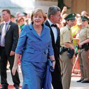Très populaire, Merkel domine l'Allemagne