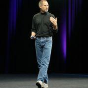 Steve Jobs porte un pull Issey Miyake