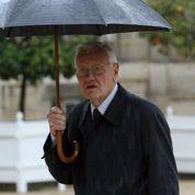 Tapie : Mazeaud porte plainte pour «menaces»