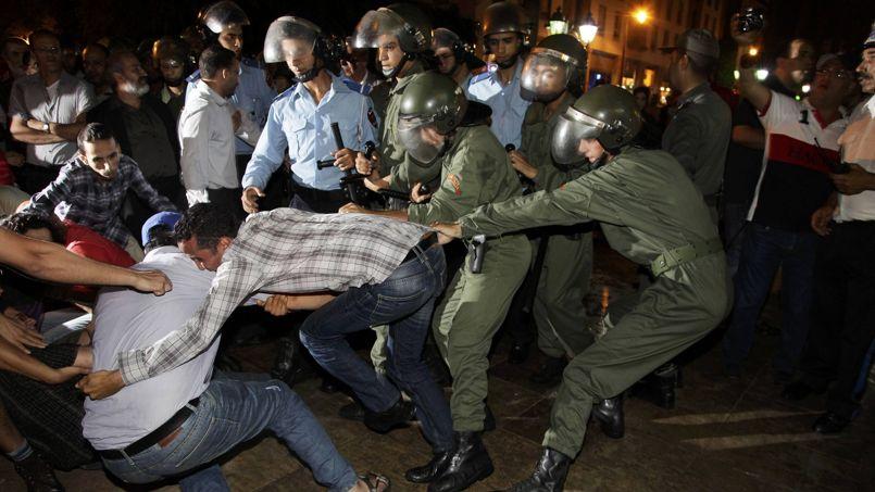Affrontements entre manifestants et forces de l'ordre à Rabat, vendredi soir.