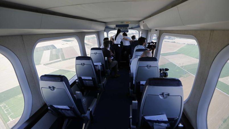 La cabine accueille 12 passagers.