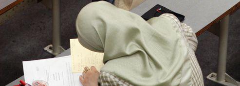 Un rapport officiel préconise l'interdiction du voile à l'université