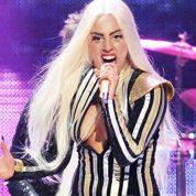 Lady Gaga défend les LGBT en Russie