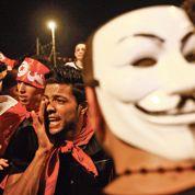 Tunis:la rue pousse Ennahda au dialogue