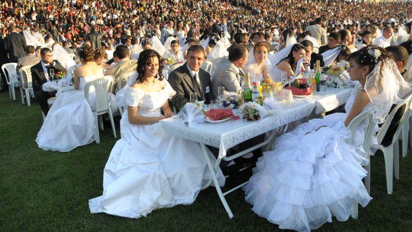 Bevorzugt Le mariage coûte cher pour les invités aussi UY05