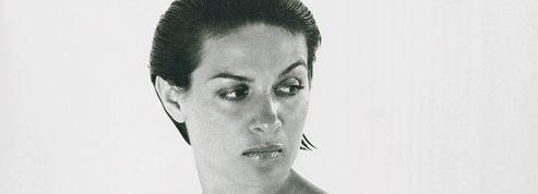 Paloma Picasso porte une robe Chloé
