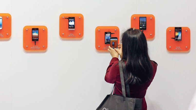 Les consommateurs conservent de plus en plus longtemps leur terminal mobile, près de dix-huit mois en moyenne en Europe contre moins de douze mois il y a encore deux ans.