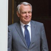 Ayrault s'installe aux commandes