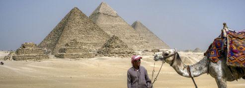 L'Égypte suspendue aux touristes et à ses expatriés