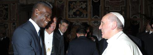 Le pape rappelle aux footballeurs leur «responsabilité sociale»