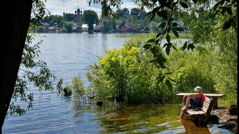 Ostachkov, une des destinations de vacances les plus populaires de Russie est la seule ville construite sur la rive du lac Seliger.