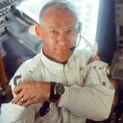 Buzz Aldrin porte une montre Omega