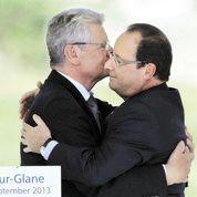 Hollande et Gauck, main dans la main à Oradour