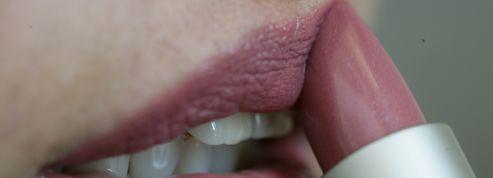 Le rouge à lèvres est-il dangereux?