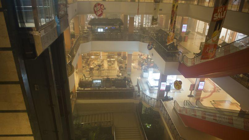 Le centre commercial attirait une clientèle riche.