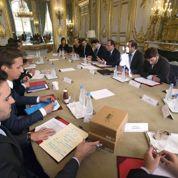 Hollande écoute les jeunes entrepreneurs