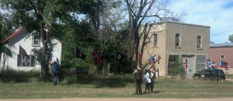 Aux États-Unis, des néonazis tentent de racheter un village PHO5957f966-2521-11e3-8899-928ff90bbb9f-805x350