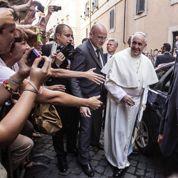 «Allô, bonjour, ici le pape François»