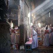 La politique de l'église brûlée