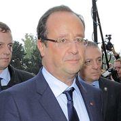 Hollande accueilli sous les sifflets à Florange