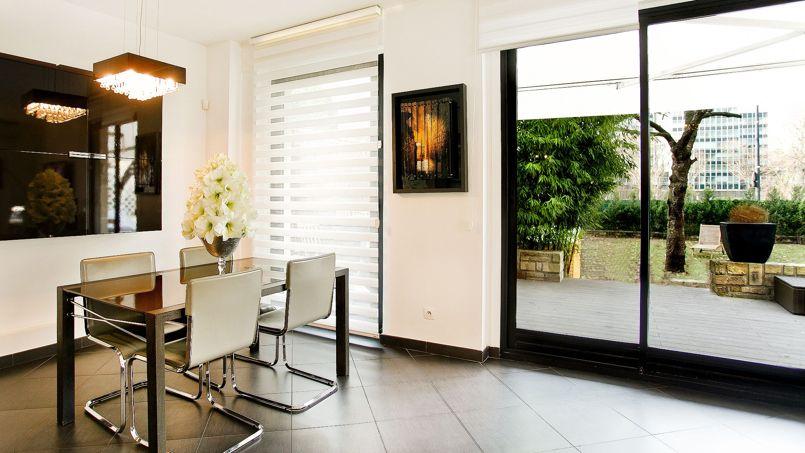 À Neuilly-sur-Seine, rue Perronet, cet appartement de 5 pièces, dans une résidence arborée, a trouvé preneur récemment pour 1.235.000 €.