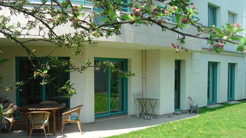 Ce bel appartement de 3 pièces (66m2), situé dans une résidence de standing en plein centre-ville du Perreux-sur-Marne, s'est vendu en moins de 10 jours à 415.000€.