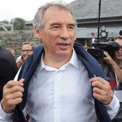 Bayrou dans son costume d'opposant