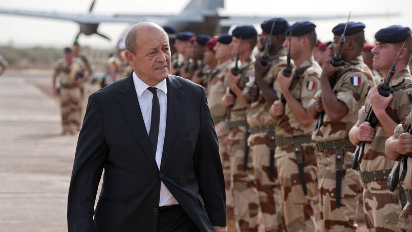 Jean-Yves Le Drian à Gao (Mali), le 22 septembre.