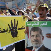 Affrontements entre policiers et pro-Morsi
