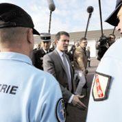 Valls cajole «les petites gens» tentés par le FN