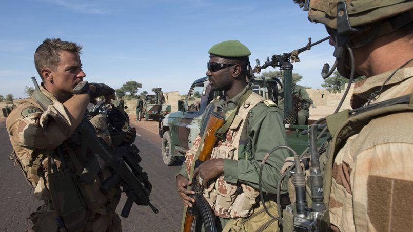 Si l'opération Serval orchéstrée par la France a chassé du Mali les groupes terroristes qui avaient pillés les arsenaux de Kadhafi, une partie des djihadistes est désormais réfugiée dans le Sud Libyen d'où ils mènent des actions.