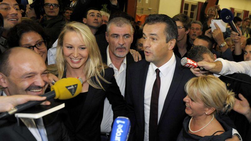 Présente au côté de Laurent Lopez, la députée FN Marion Maréchal-Le Pen s'est dite «fière» de lui.