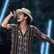 Bruno Mars acclamé à Bercy