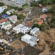 Un puissant typhon frôle le Japon