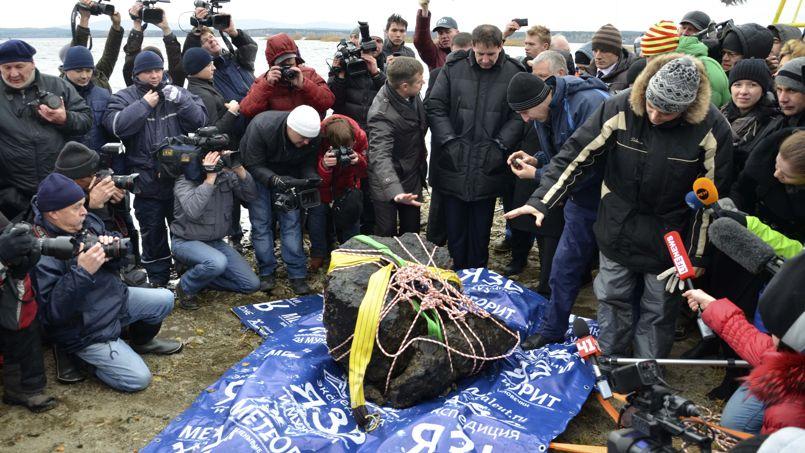 La M 233 T 233 Orite Russe De Tcheliabinsk Sort De Son Lac