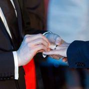 Les maires tenus d'unir les couples gays