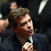 Montebourg affirme que PSA restera française