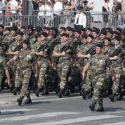 Comment l'armée vit-elle les restrictions ?