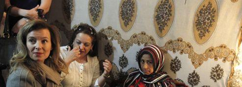 Valérie Trierweiler rend visite aux réfugiés syriens au Liban