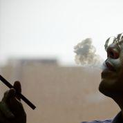 En Chine, des fumeurs sont payés pour fumer