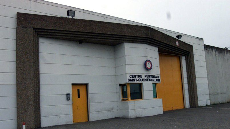 Le centre pénitentiaire de Saint-Quentin-Fallavier (Isère) accueille près de 500 détenus pour 380 places prévues à l'origine.