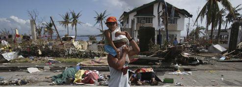 Les Philippines dans l'attente des secours