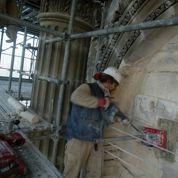 Un élu parisien veut restreindre le budget consacré aux églises