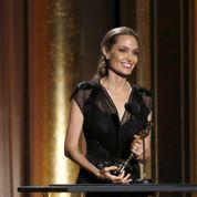 Angelina Jolie reçoit le premier oscar de la saison